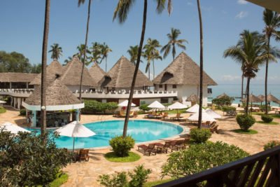 DoubleTree-Resort-by-Hilton-Hotel-Zanzibar-10-1-400x267 - Zanzibar Holiday Packages